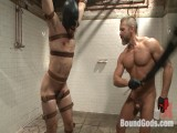 """I'll show you fucking leather!"" – 2 punks taken down in the gym"